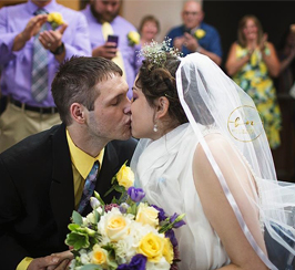 Auburn Village resident marries at the facility